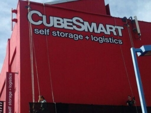 Cubesmart sign painting Atlantic Avenue, Brooklyn NY